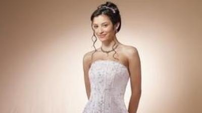 efektowna suknia Mori Lee