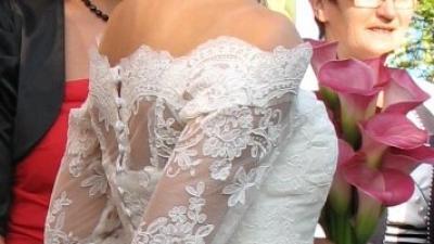 Elegancja i romantyczna sukienka ślubna