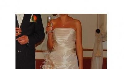 Elegancka suknia-model Semilla