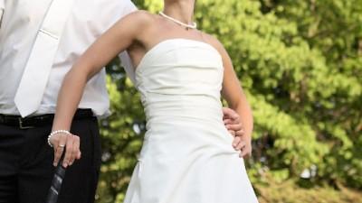 Elegancka suknia ślubna + gratis