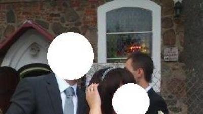 Elegancka suknia ślubna zdobiona kryształkami Swarovskiego
