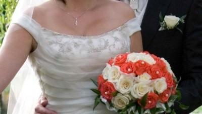 Fantastyczna suknia ślubna ecru