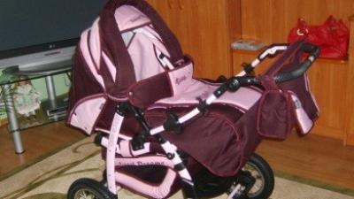 głęboki wózek firmy TAKO dla dziewczynki