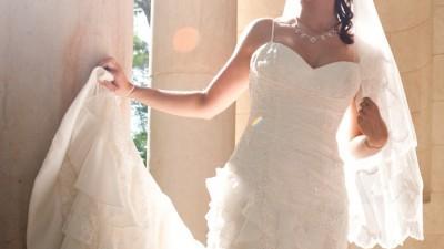 Hiszpańska suknia ślubna.