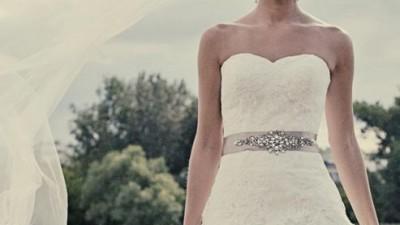 Hiszpańska suknia ślubna La Sposa Detalle + 2 welony + bolerko