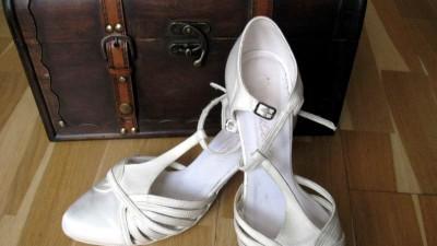 Ivory buty ślubne r.40