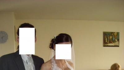 Jak nowa biała suknia ślubna