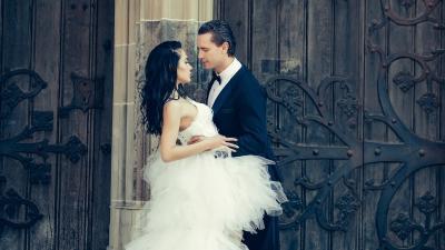 Jak powstaje wymarzona suknie ślubna? Podpowiada Sylwia Romaniuk!