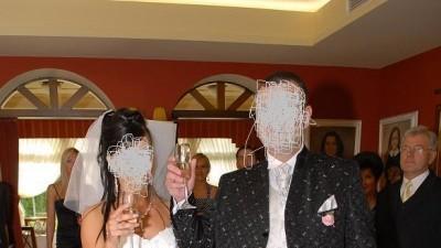 Jednoczęściowa biała suknia z salonu On i Ona