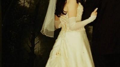 Jednoczęściowa suknia w kolorze ecru