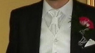Kamizelka i musznik, biała, rozm. M/L, na wzrost 180/190 cm