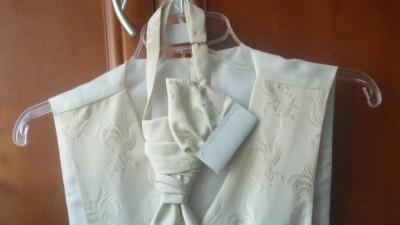 Kamizelka ślubna z kawatem