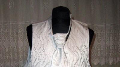 Kamizelka ślubna z krawatem