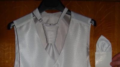 Kamizelka z krawatnikiem-śnieżno biała