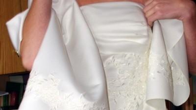 Klasyczna sukinia ślubna satyna koronka na wzór SINCERITY 3141