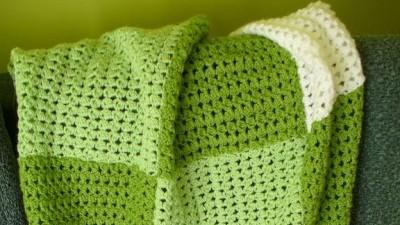 kocyk szydełkowy,zielono-biały