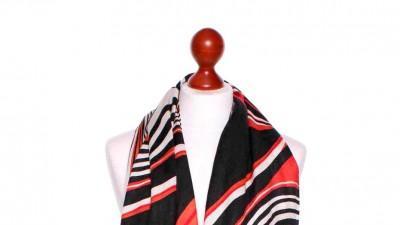 Kolorowy elegancki szal