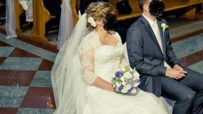 Koronkowa suknia ślubna Amy Love z trenem + dodatki