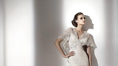 Koronkowa suknia slubna Blue By Enzoani+ Manuel Mota Erato