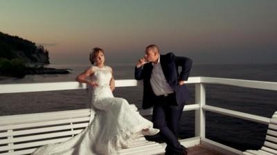 Koronkowa suknia ślubna Cosmobella 7654 Lisa Ferrera rozm. 34