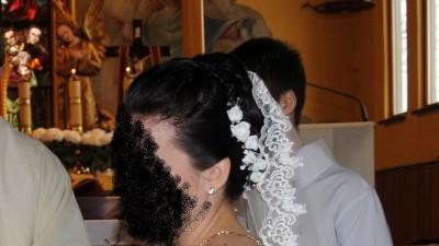 KORONKOWA suknia ślubna z hiszpańskim welonem r.38