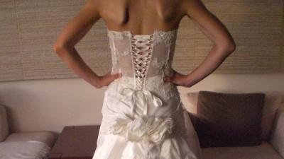 Kunsztowna suknia ślubna