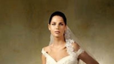 Kupię suknię ślubną Pronovias Laguna.