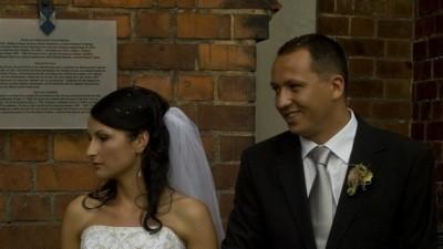 kupie suknie ślubną  z różową wstawką