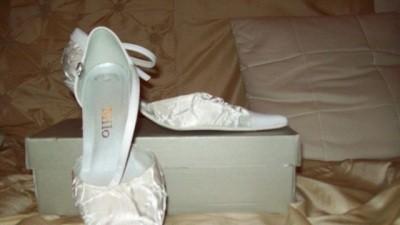 Milo buty slubne r.37 jak nowe