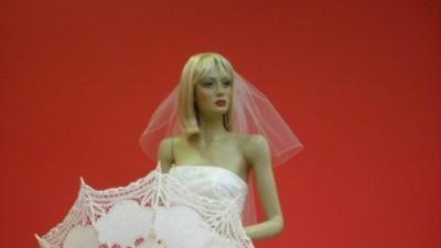 Najniższe ceny nowych sukien ślubnych znakomitych projektantów