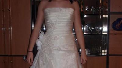 Nieużywana suknia EMMI firmy Emmi Mariage