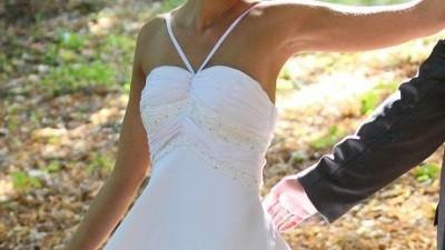 Niezwykle skromna i delikatna sukienka + bolerko