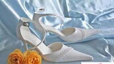 Nowe, białe buty ślubne rozm. 37/38 i rękawiczki