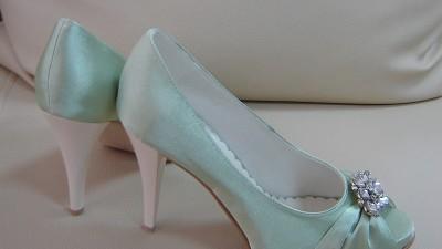 Nowe Buty!!! Atłas pistacjowy. Bardzo wygodne! r.36