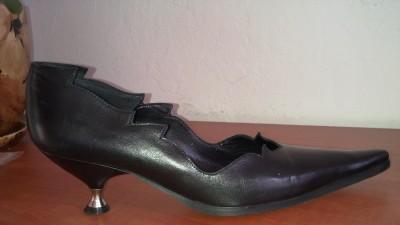 Nowe czarne zdobione buty z miękkiej skórki- roz37- Targówek
