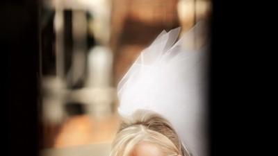 NOWOŚĆ 2009!!! - Sprzedam suknię ślubną wyszywaną kryształkami Swarovskiego