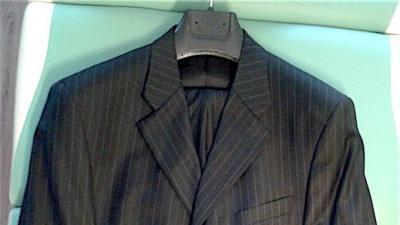 Nowy garnitur czarny w paski Baumler