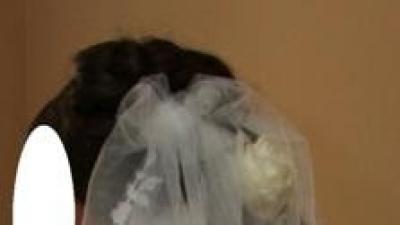 okazyjnie Koronkową Suknię Bogato Zdobioną, z halką, welonem,dodatkami