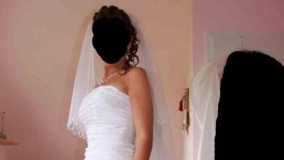 Oryginalna, elegancka biała suknia ślubna z kolekcji Madame Zaręba