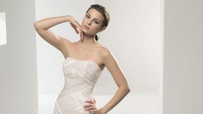 Oryginalna,  elegancka suknia śłubna
