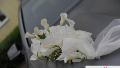 Ozdoba na ślubne auto z cantadeski