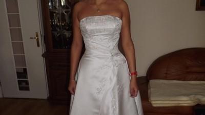 Piękna delikatna suknia, nowa, nie używana-atrakcyjna cena