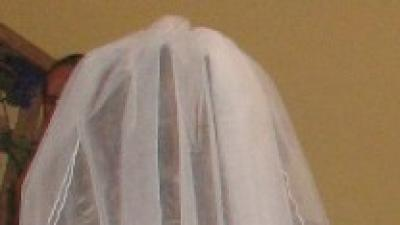 Piękna, dziewczęca suknia podkreślająca sylwetkę