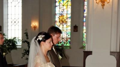 Piękna i elegancka suknia ślubna CAMILIA