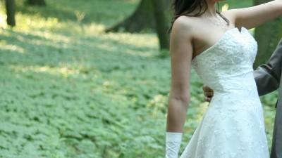 Piękna i niedroga suknia ślubna