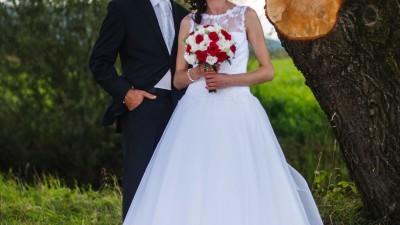 Piękna i z klasą suknia ślubna Elizabeth Passion