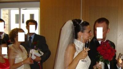 Piękna, kobieca suknia ślubna PRONOVIAS Laris