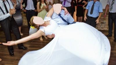 Piękna koronkowa suknia ślubna r.40 + buty ślubne r.39
