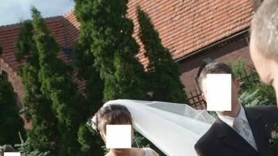 Piękna koronkowa suknia ślubna Sala La Sposa z salonu Madonna