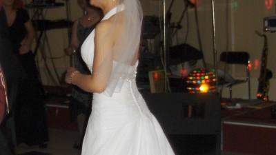 Piekna muślinowa suknia ślubna